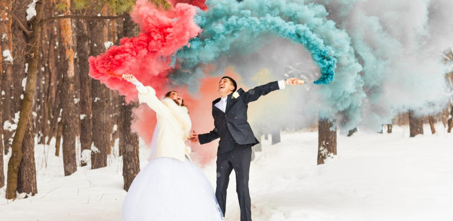 smokebombwedding-900x440