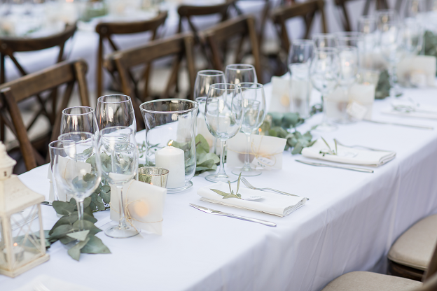Tablesetting with favours